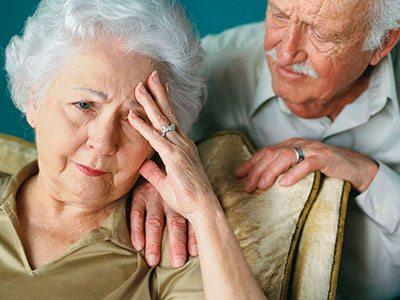 Las 3 fases del Alzhéimer y los síntomas que se padecen